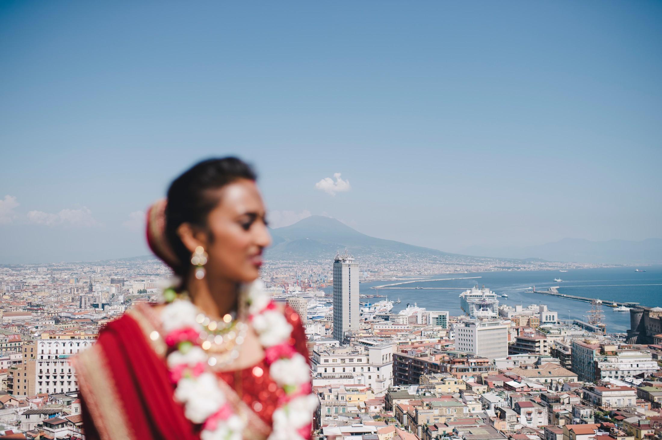 bride's portrait with the vesuvio on the background