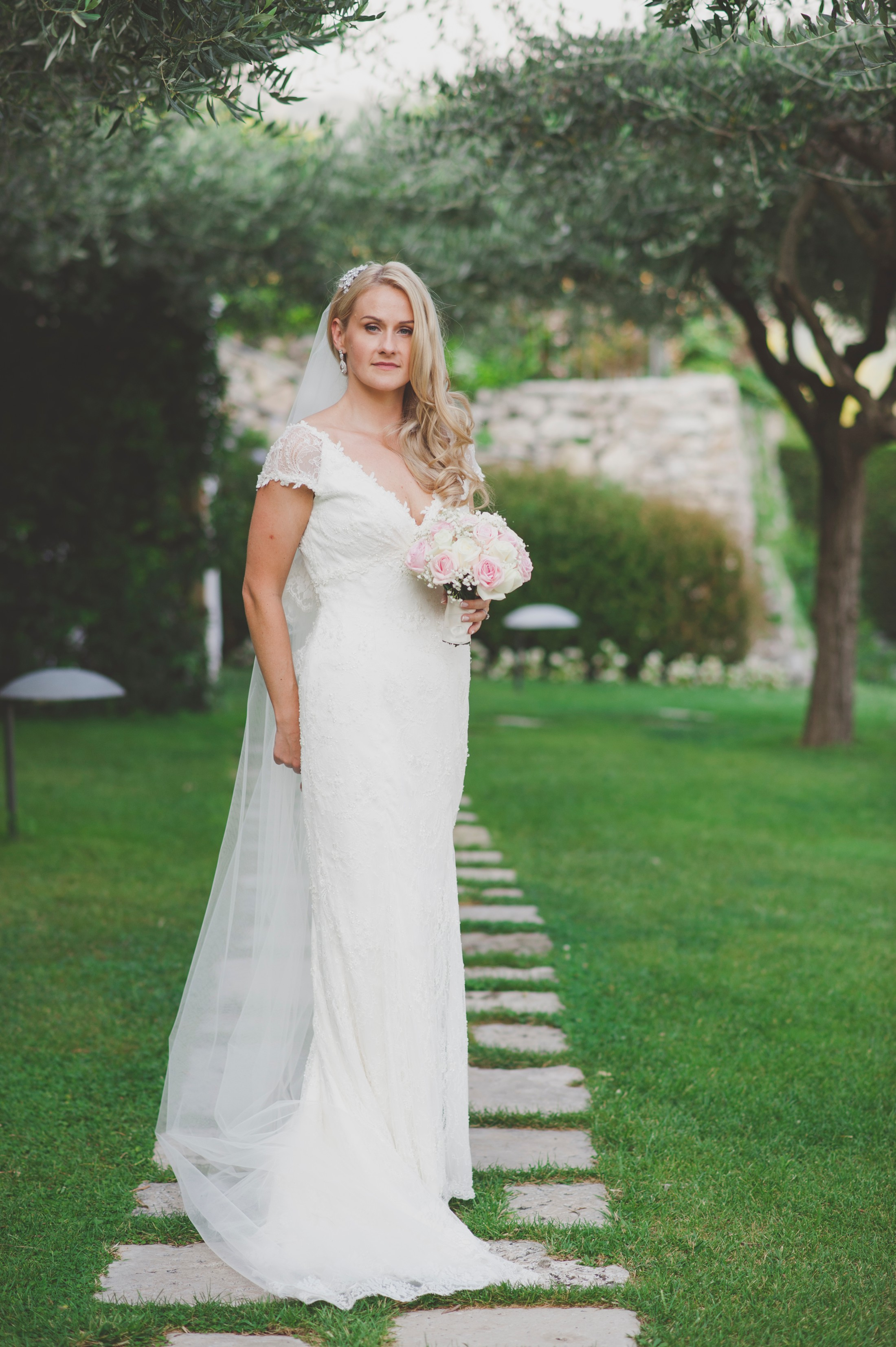 wedding in ravello bride's portrait at hotel caruso