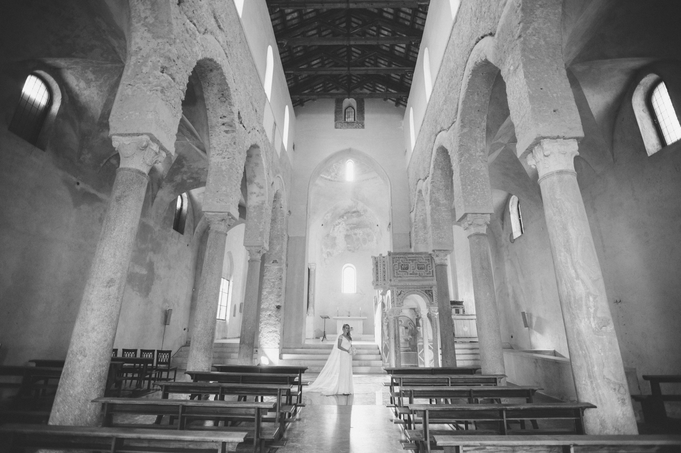 wedding in ravello bride's portrait in the church black and white