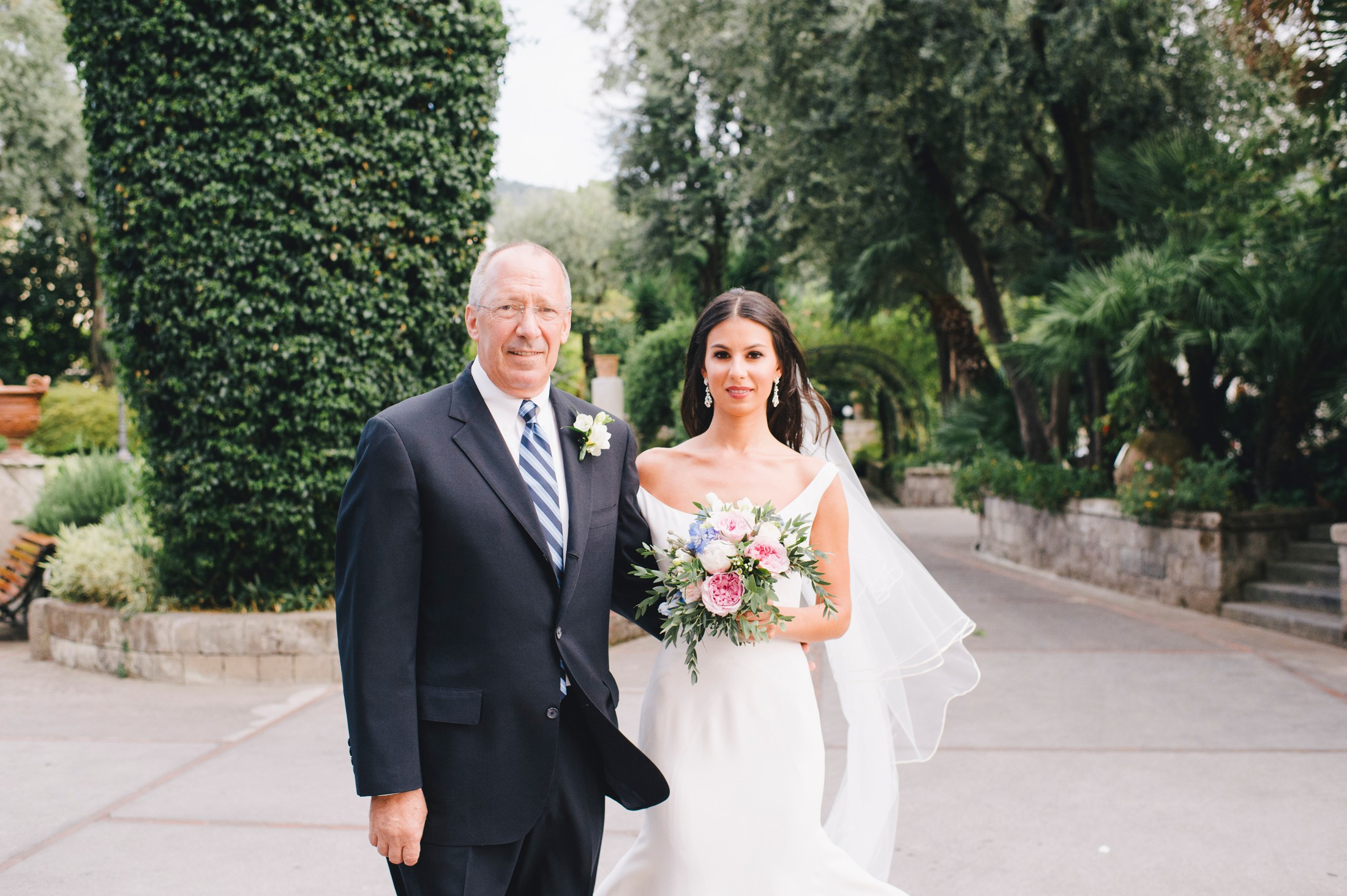 wedding in sorrento the bride with her father