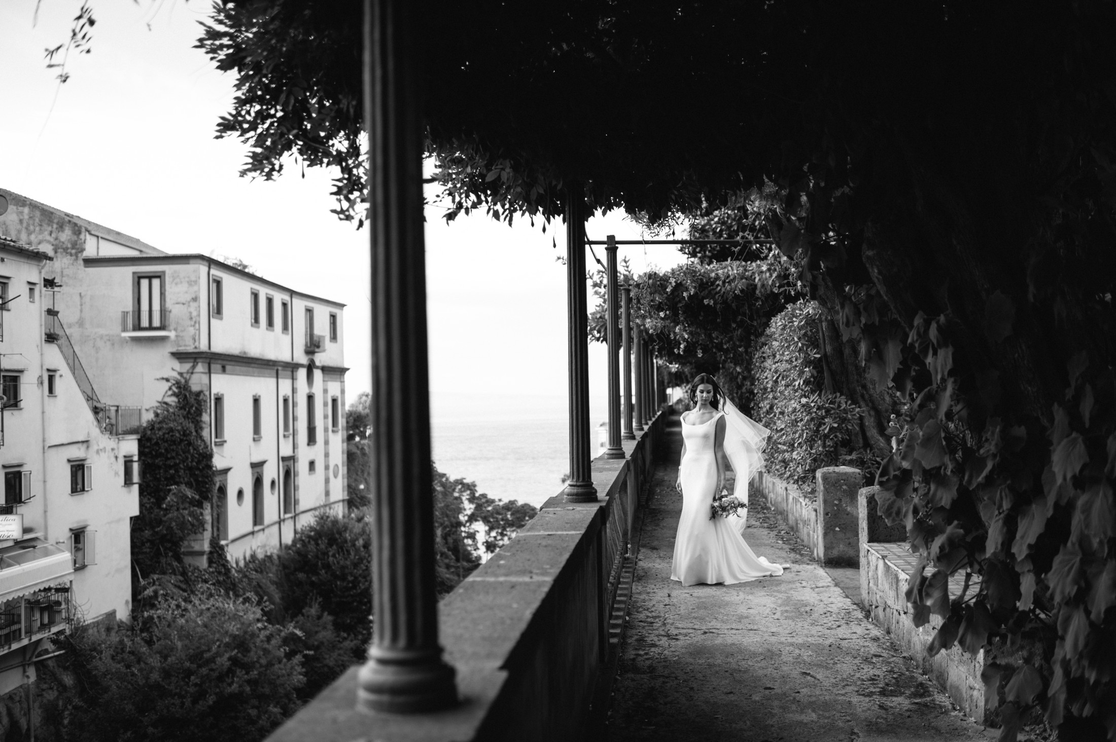 wedding in sorrento bride's portrait at the hotel excelsior vittoria in black and white
