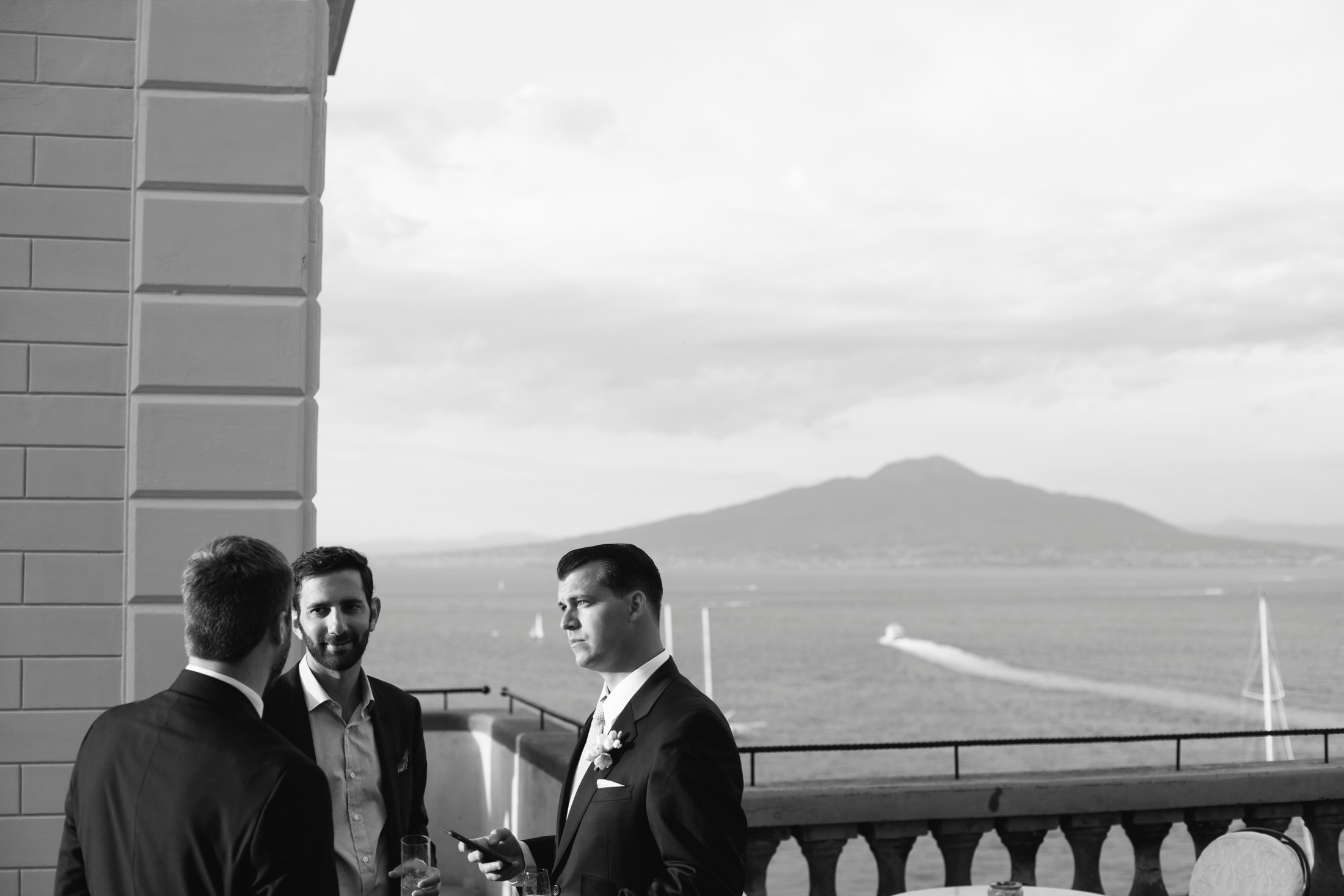 wedding in sorrento guests talking on the hotel excelsior terrace