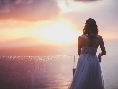 sorrento wedding the bride looking at the sea at sunset