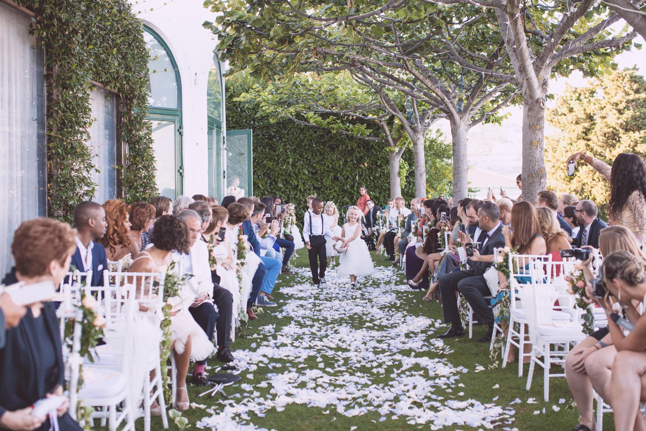 wedding in ravello flower girls