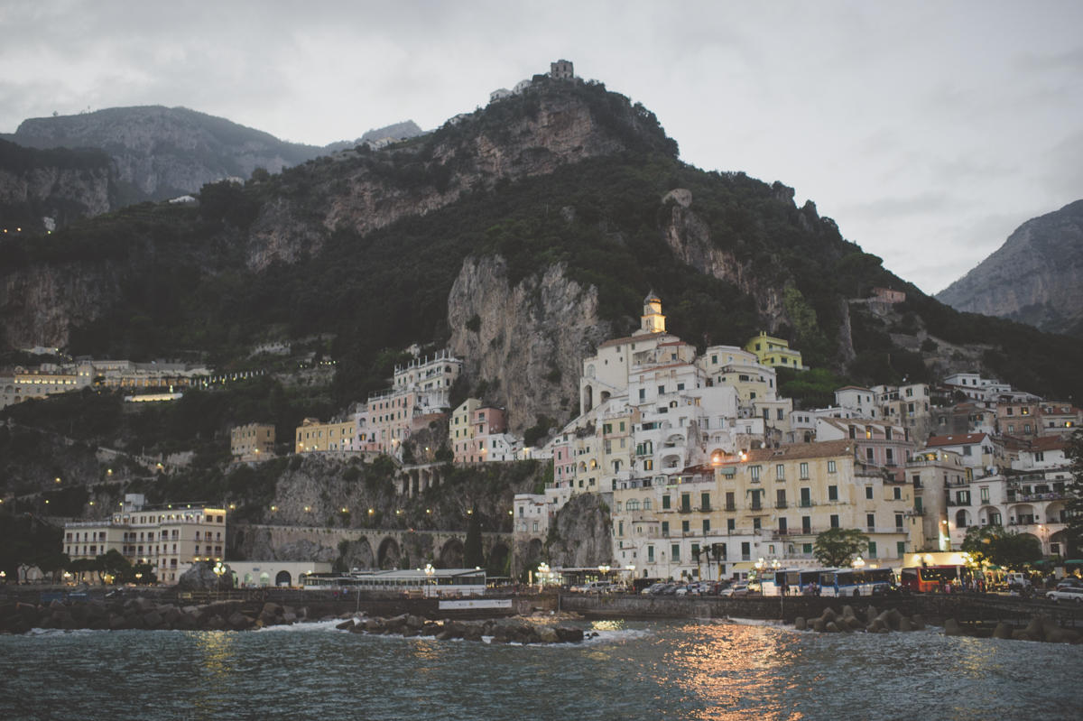 wedding in amalfi landscape after the sunset