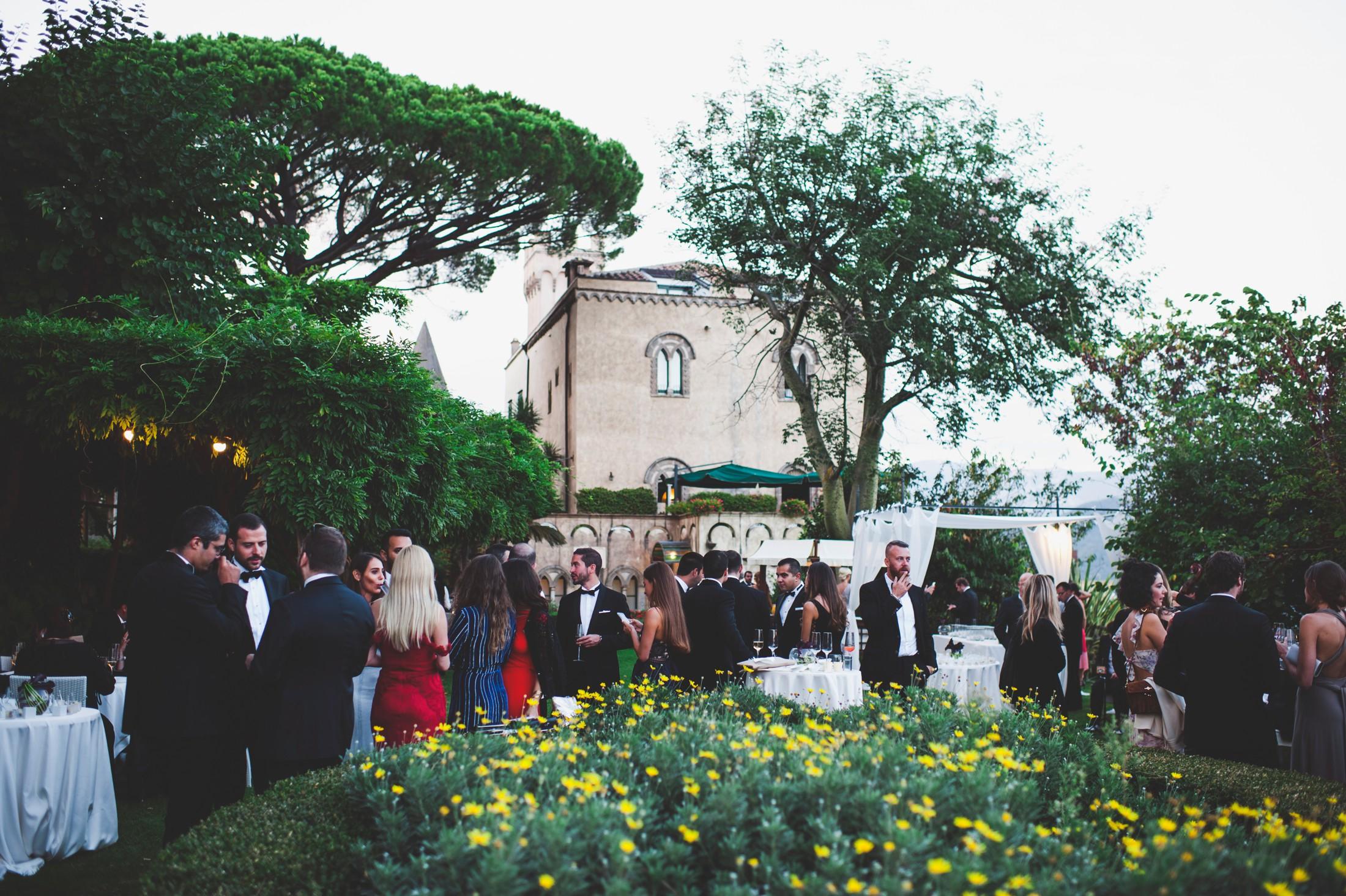 luxury wedding guests at villa cimbrone ravello