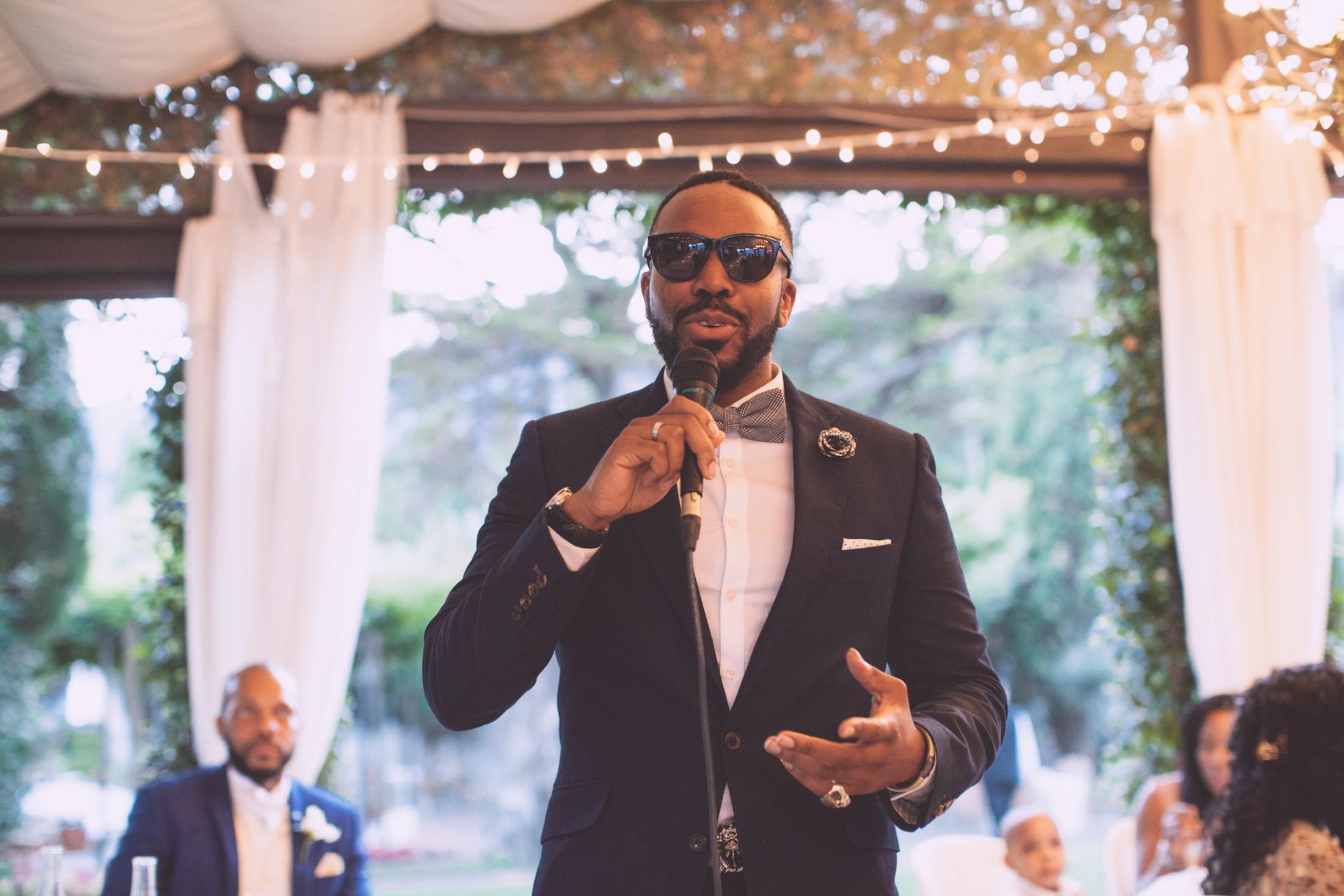 wedding in ravello best man during his speech