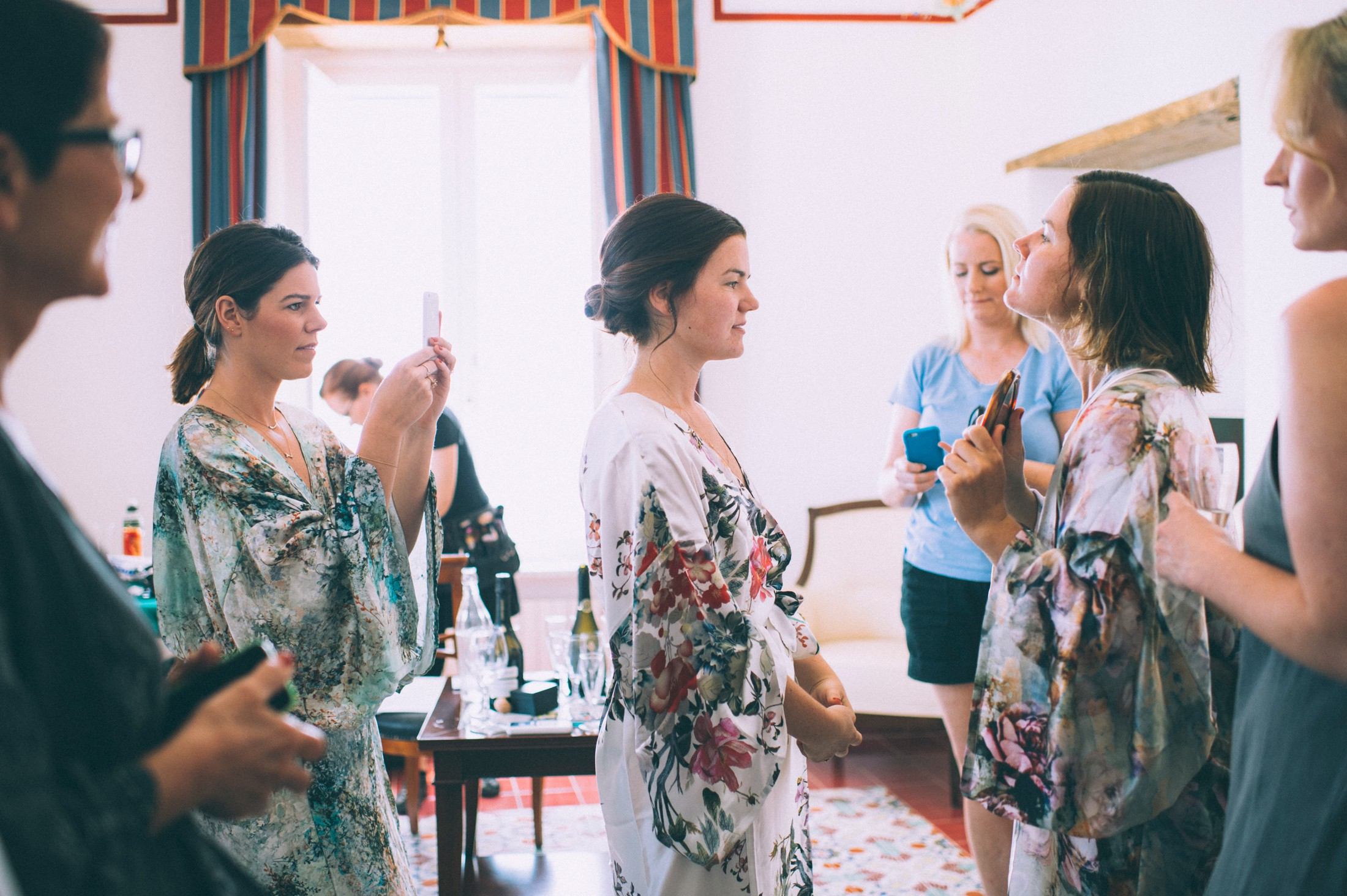 rustic wedding in ravello the bride getting ready with her bridesmaids