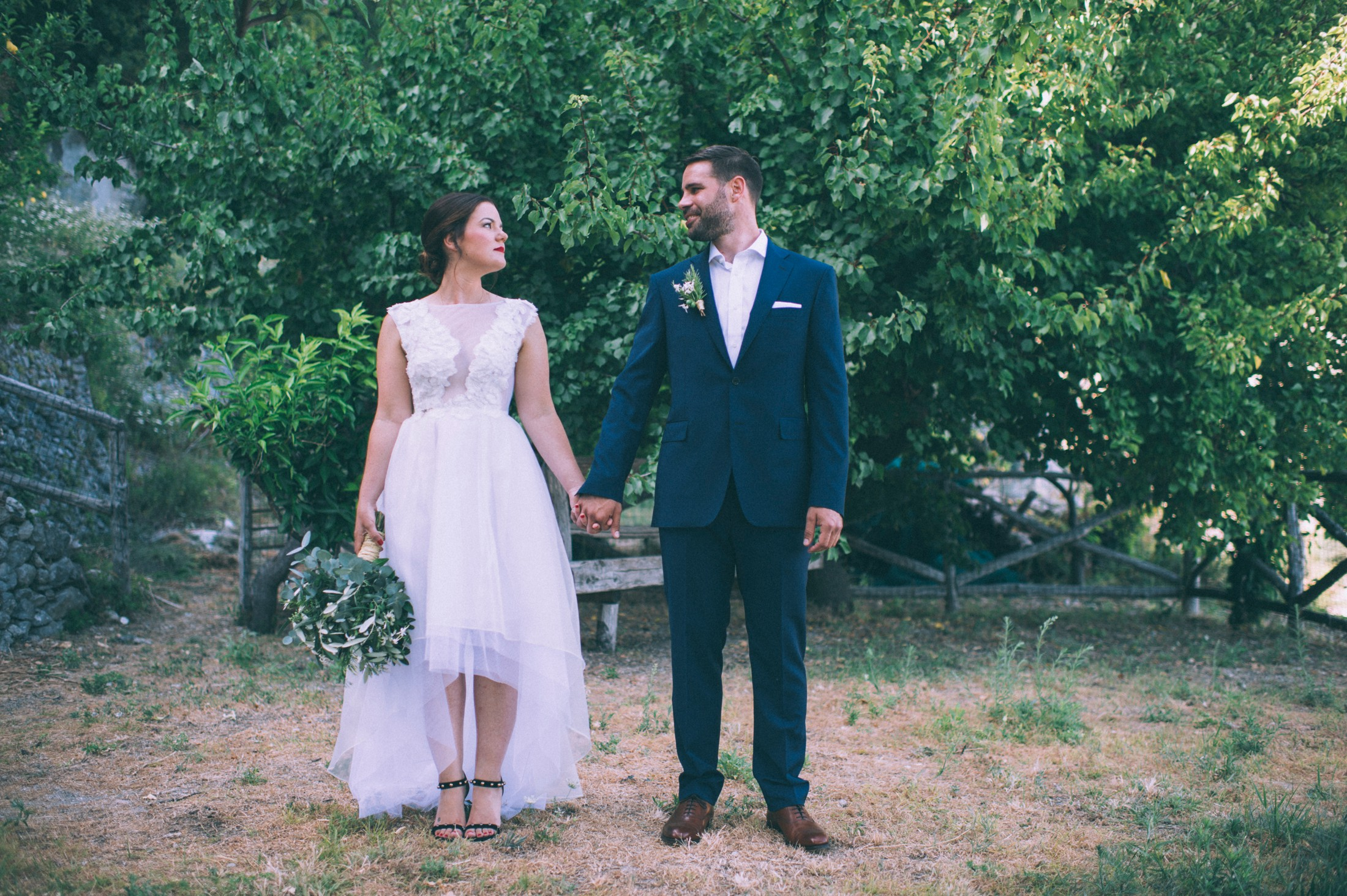 rustic wedding in ravello bride and groom's portrait