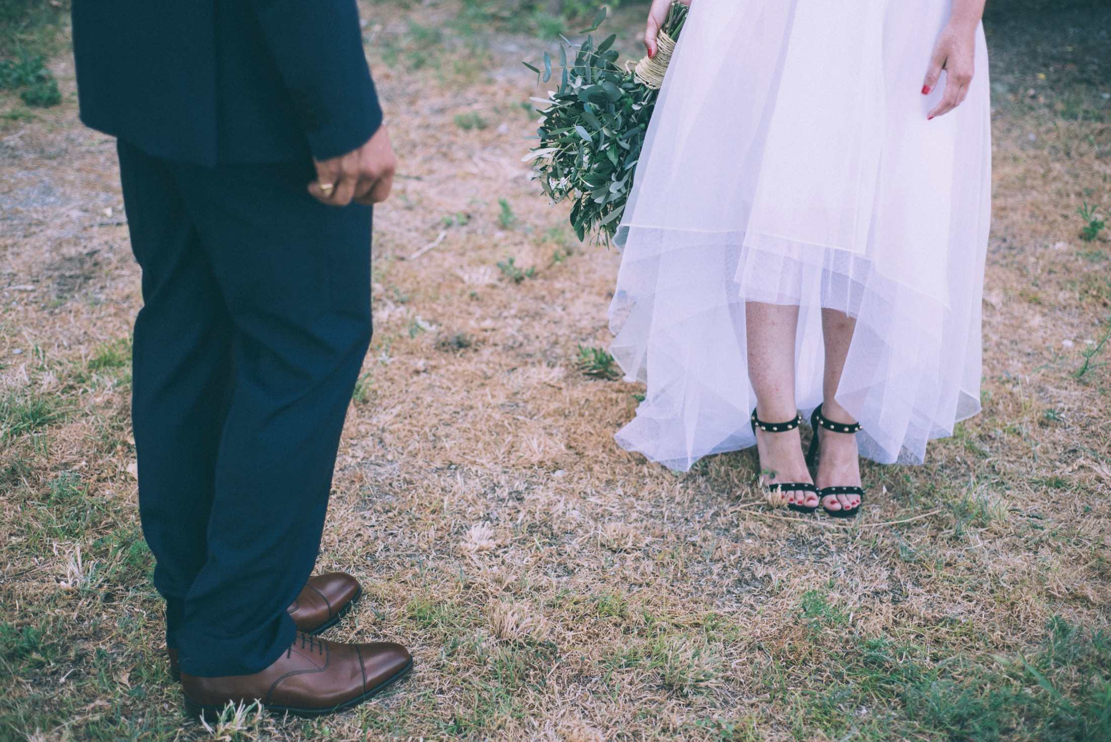 rustic wedding in ravello bride and groom's legs