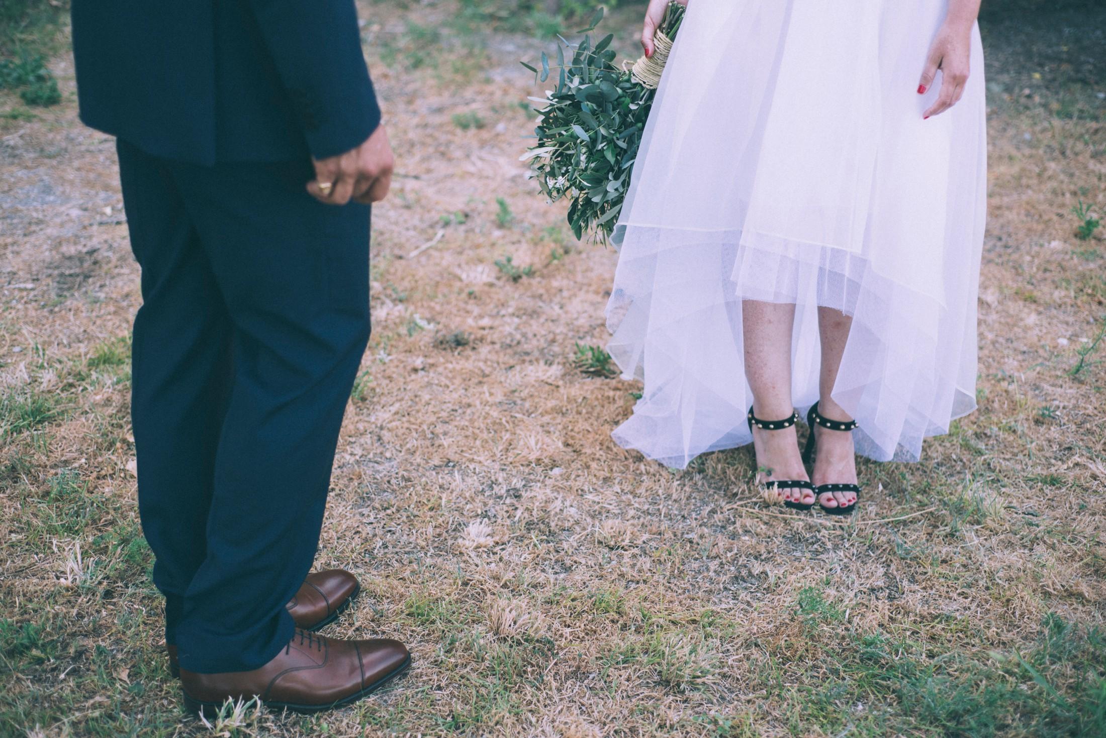 rustic wedding in ravello bride and groom's legs