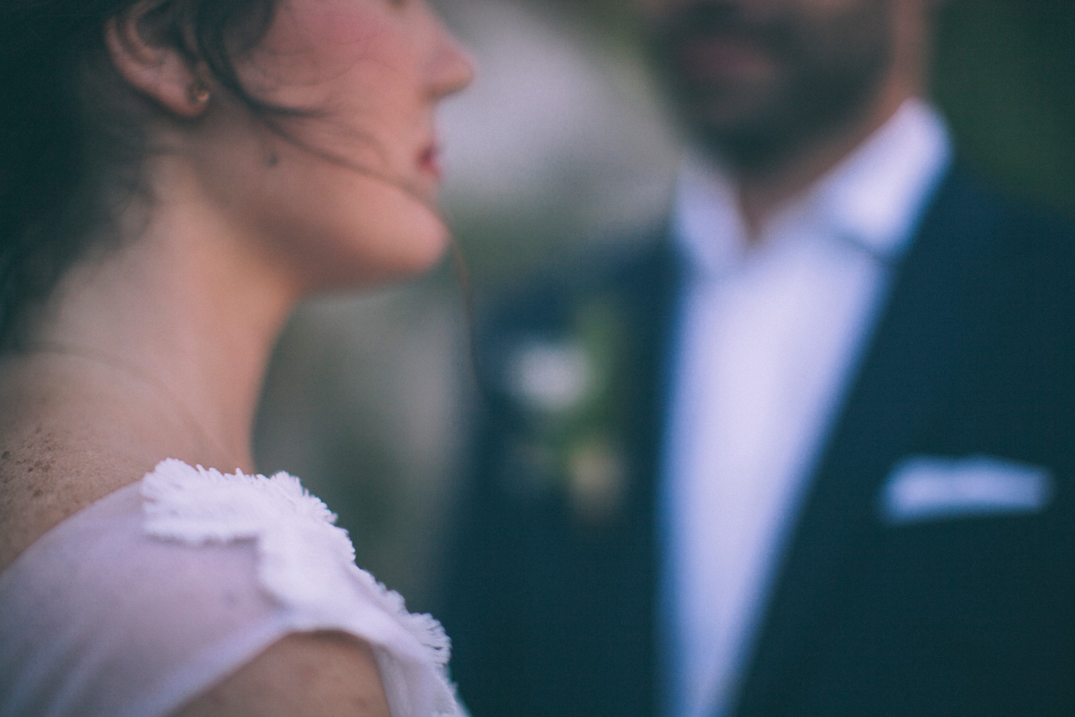 rustic wedding in ravello bride and groom's portrait