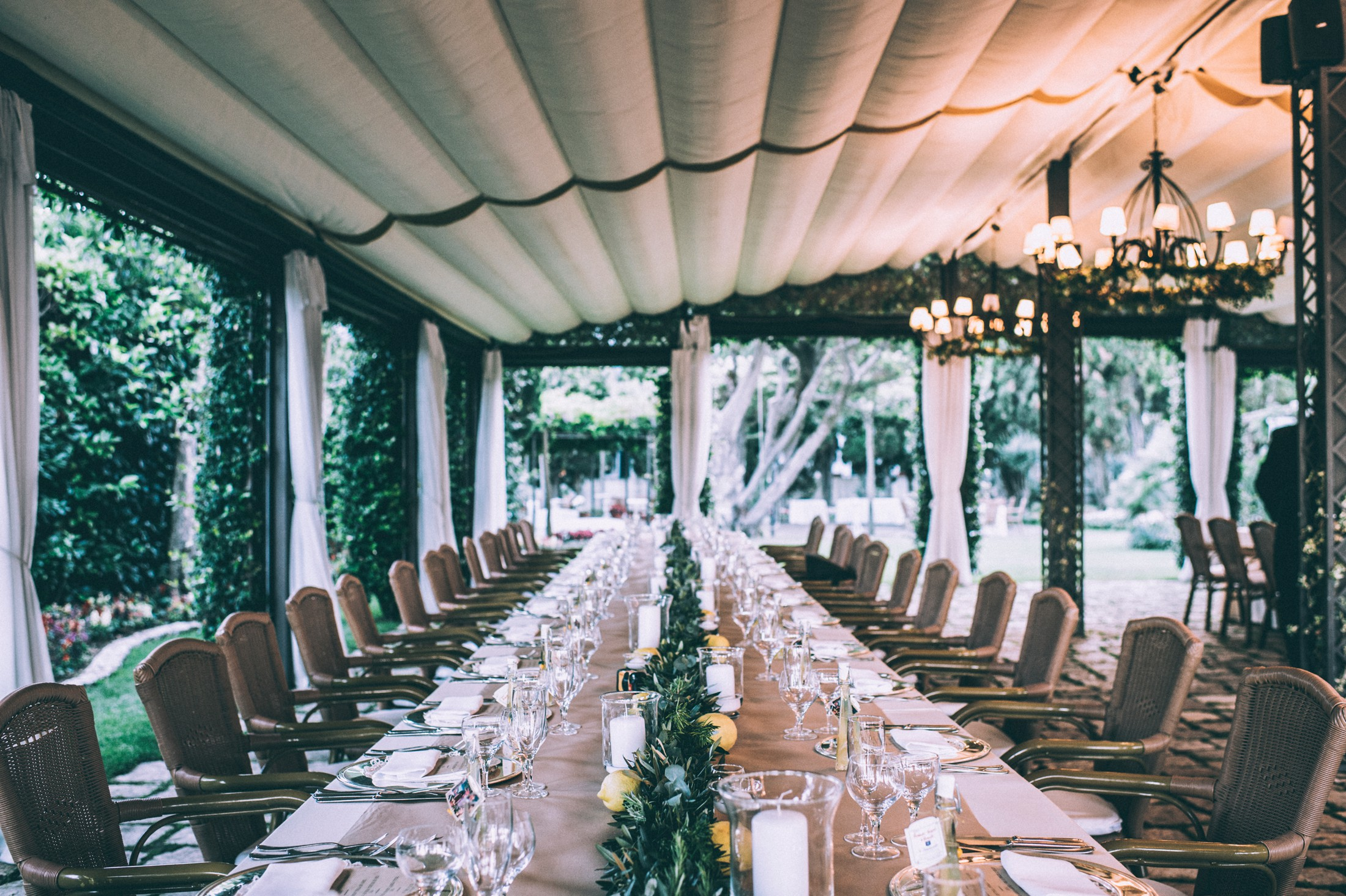 rustic wedding in ravello table setting