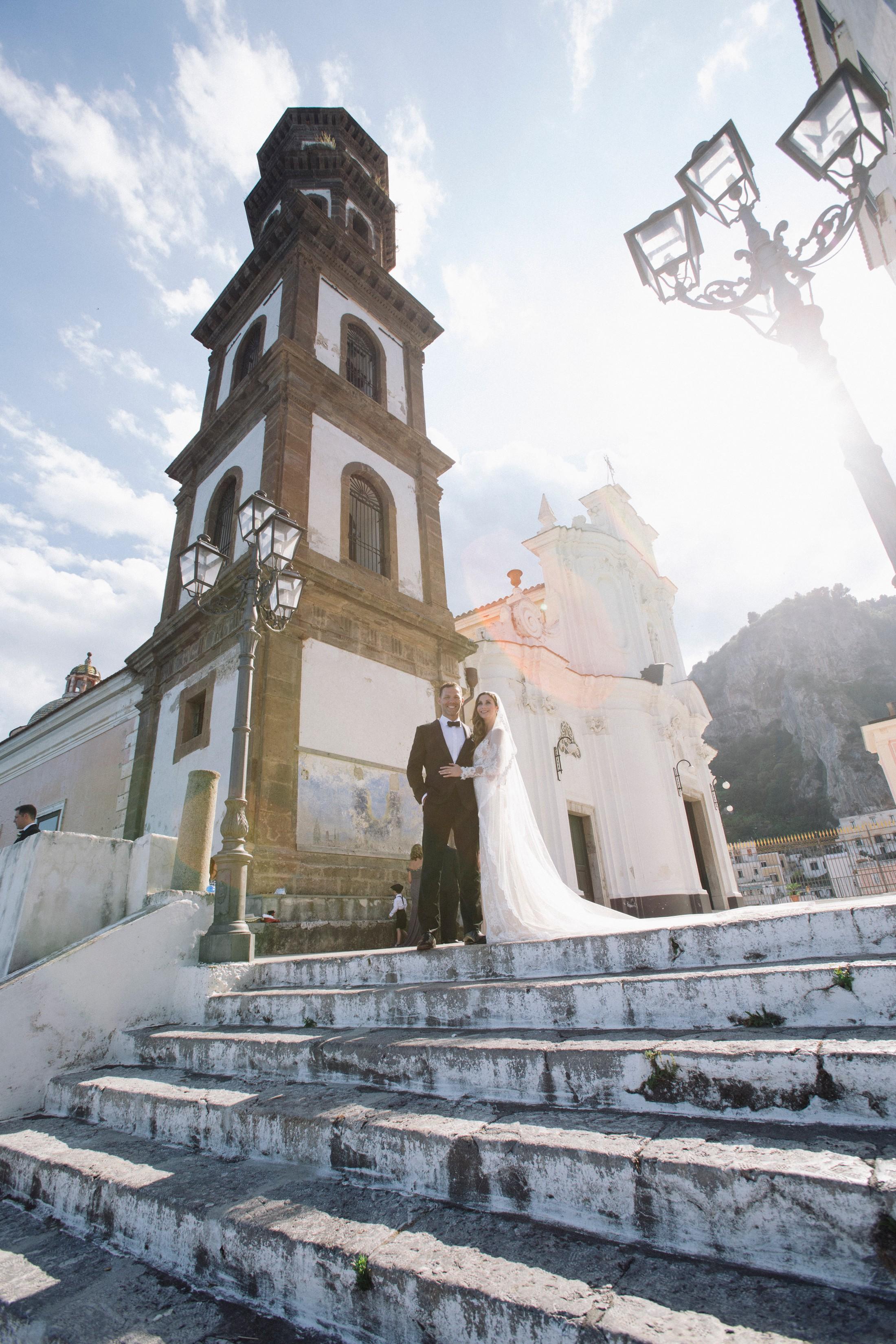 wedding at villa cimbrone bride and groom's portrait