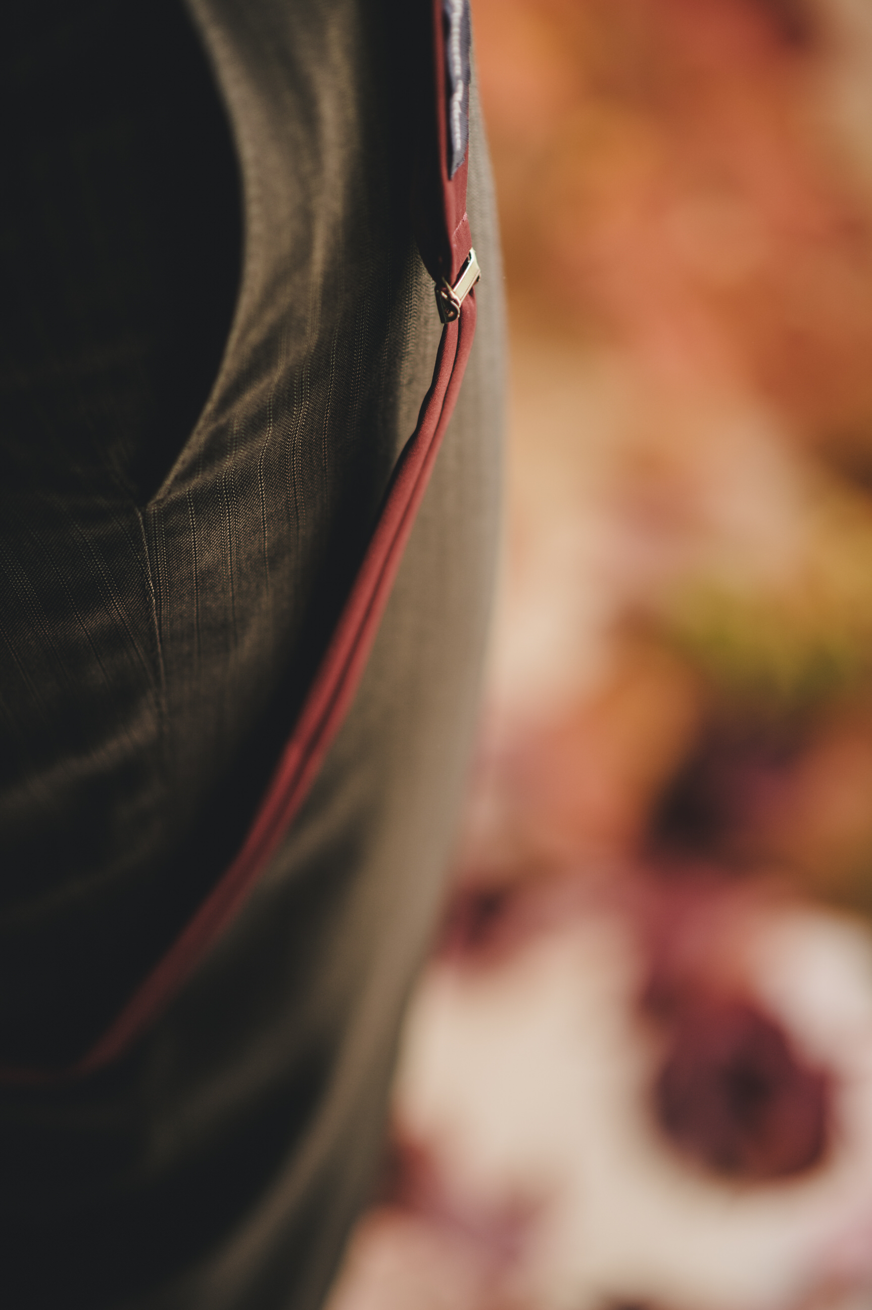 groom's dress detail