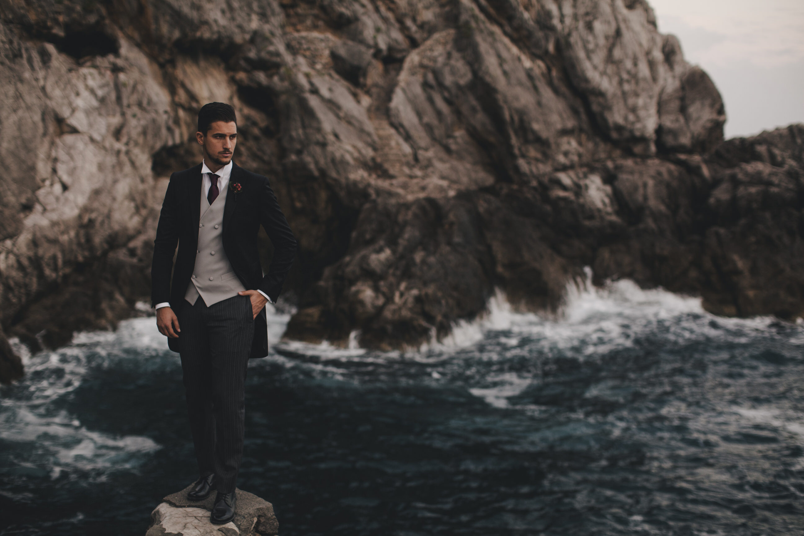 groom's portrait by the sea