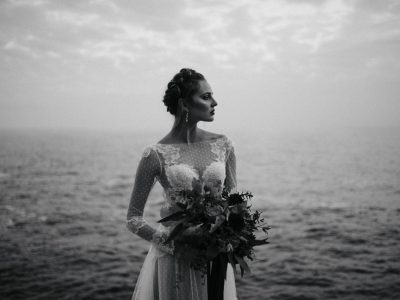 bride's portrait in black and white by the sea