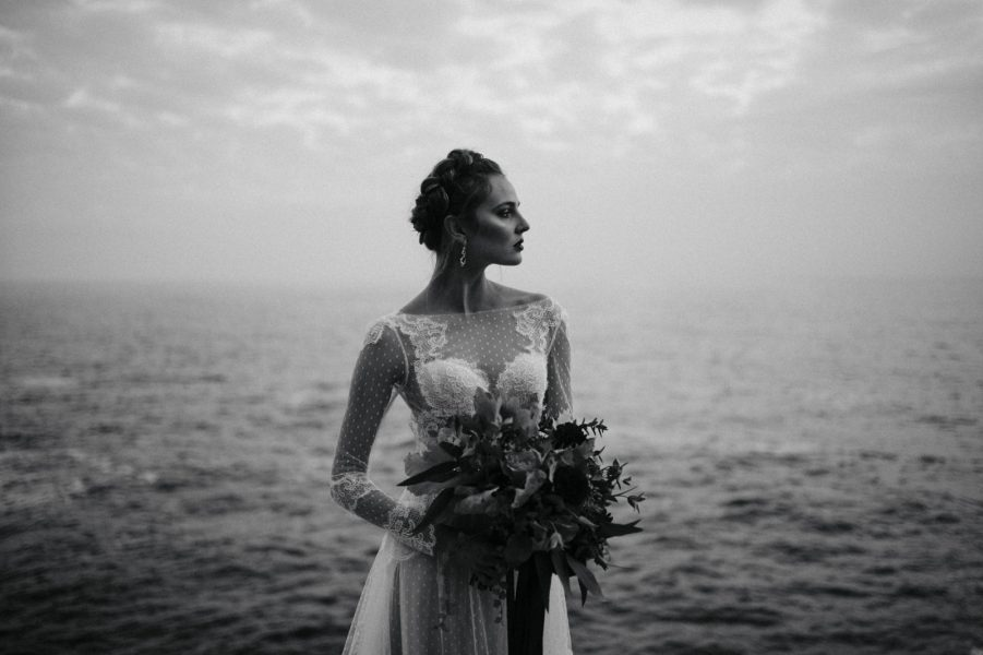 bride's portrait in black and white by the sea
