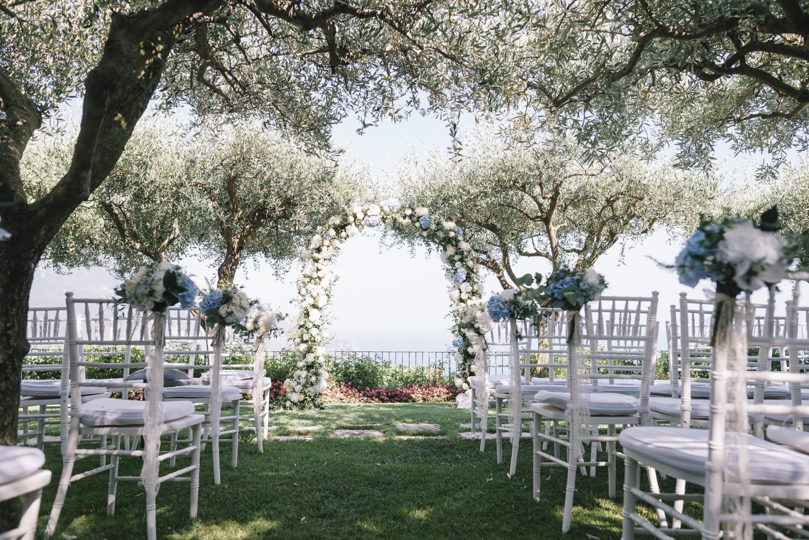 ceremony setting at belmont hotel caruso in ravello