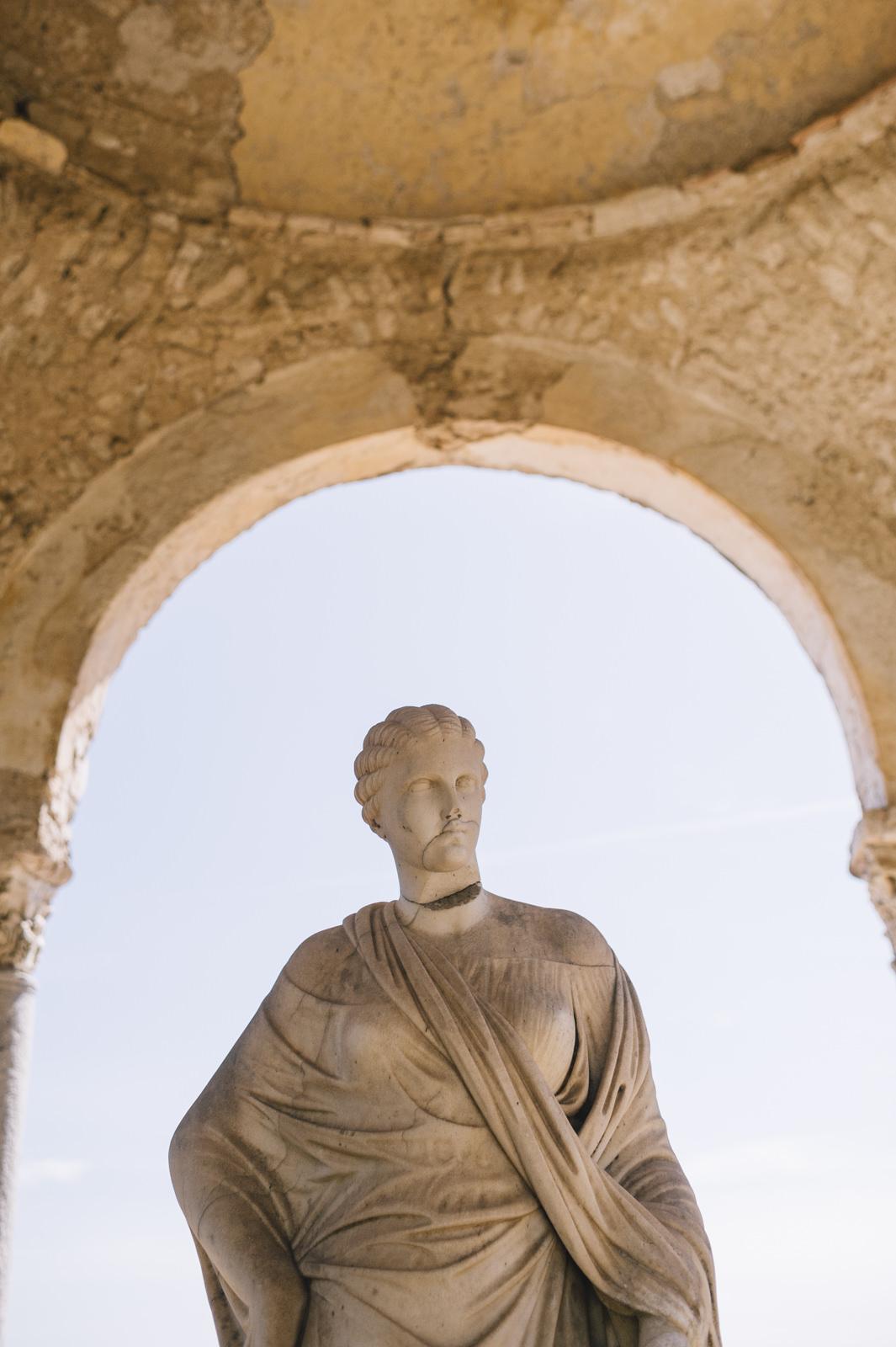 marble statue at villa cimbrone