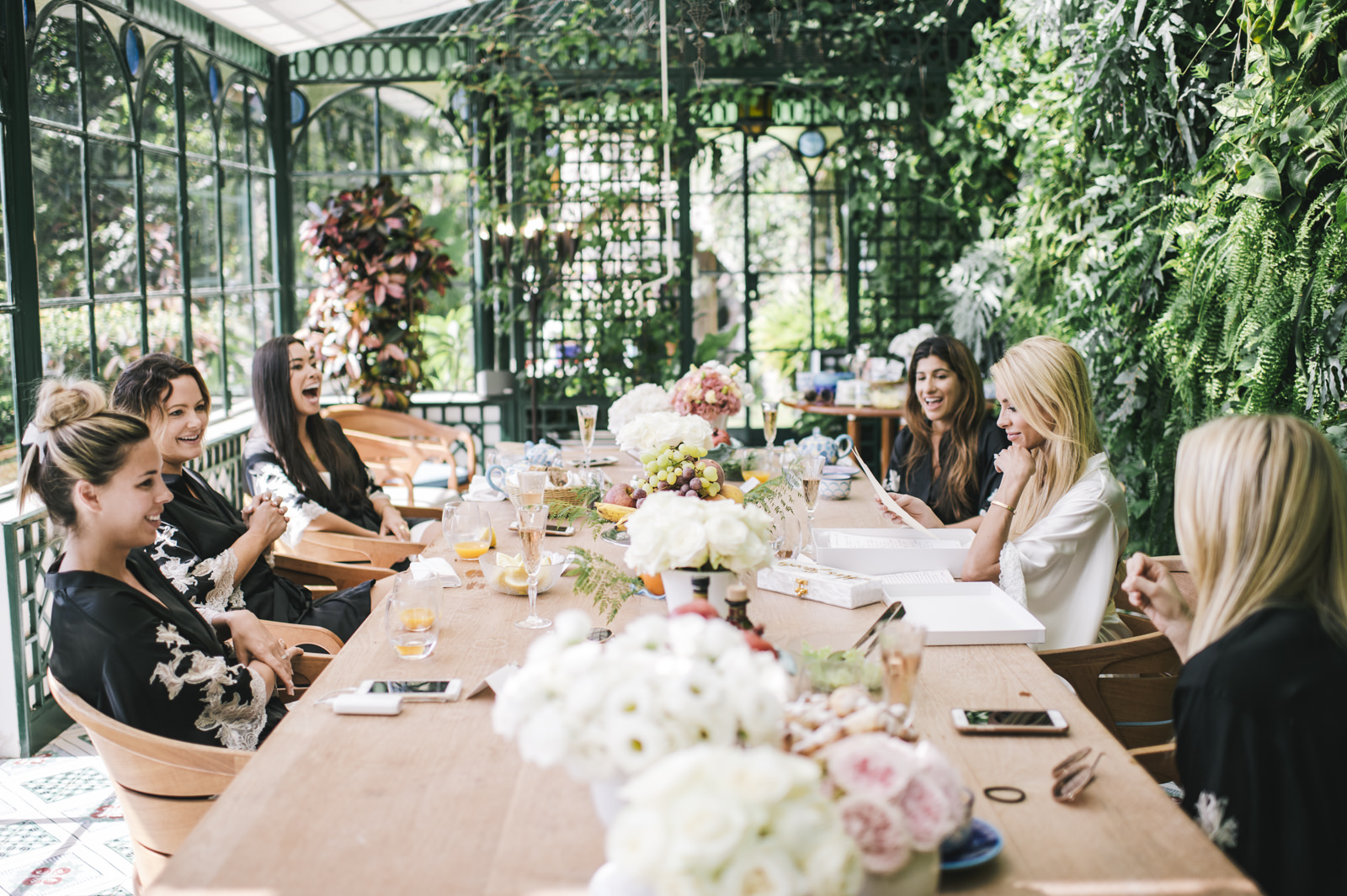 the bride having brunch with the bridesmaids