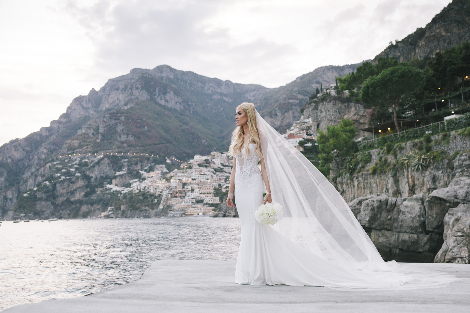 bride's portrait by the sea