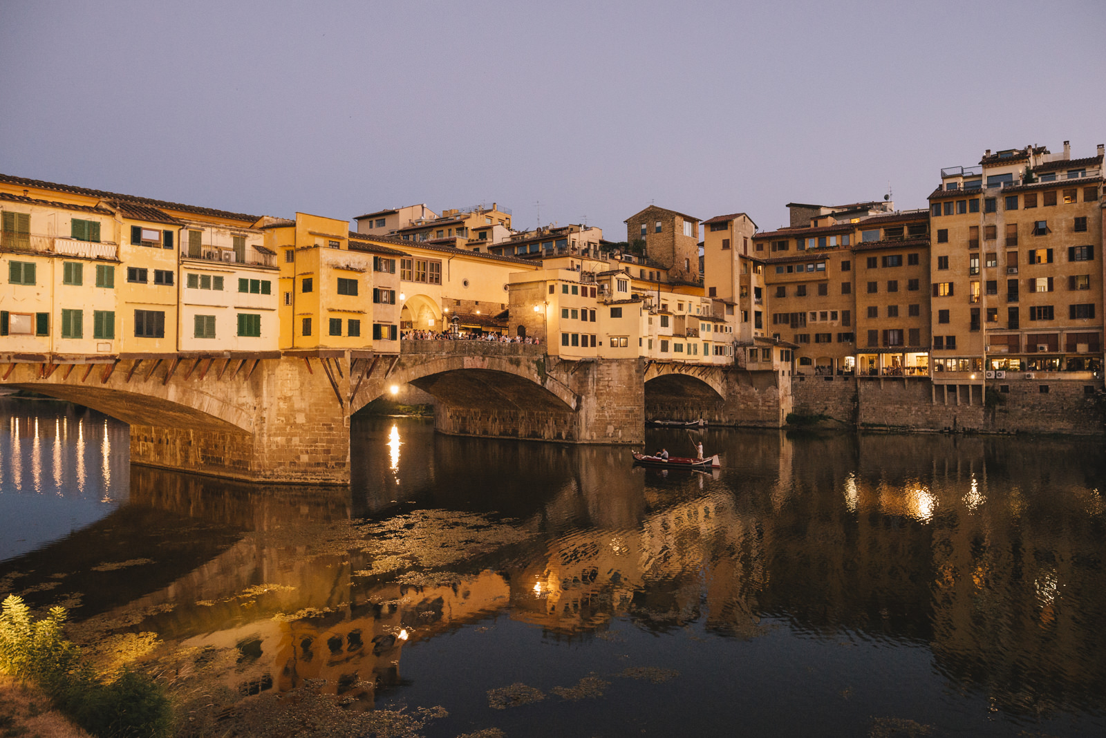 Buildings around the Arno river in Firenze