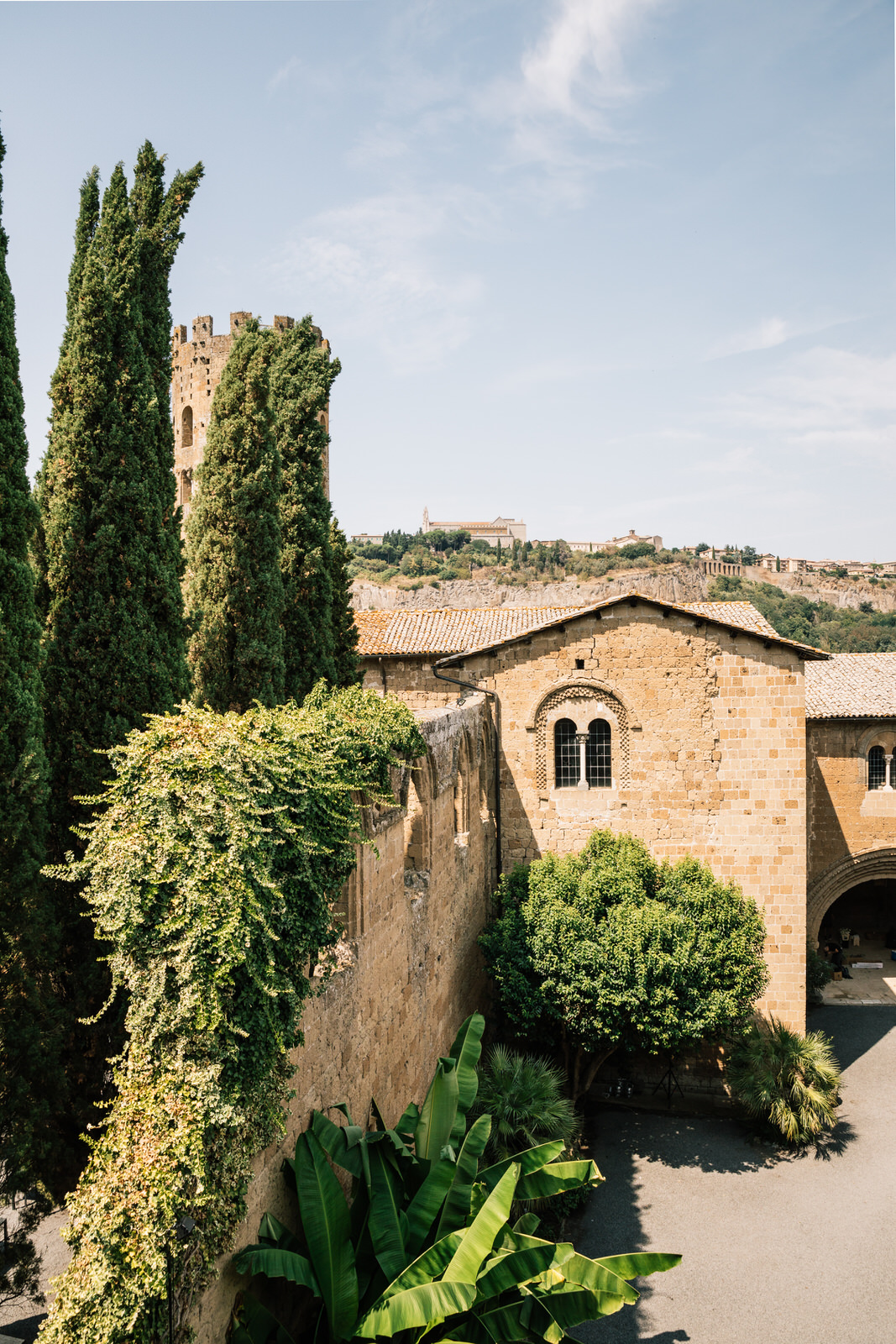 elegant wedding in umbria la badia in orvieto 09